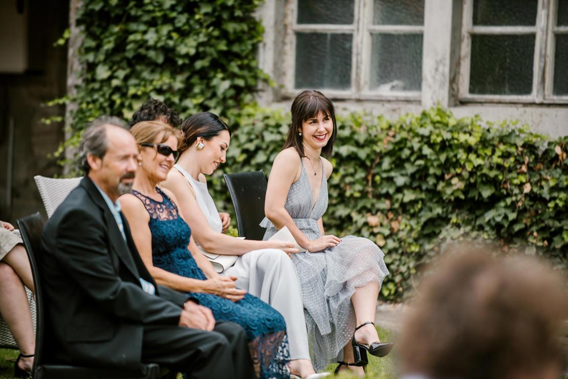 MARIAGE BOHÈME VÉGÉTAL AU CHÂTEAU DE VUISSENS photographe mariage suisse romande