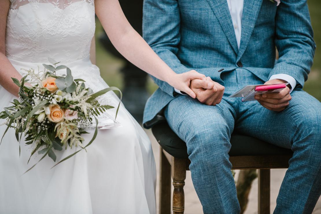 MARIAGE BOHÈME VÉGÉTAL AU CHÂTEAU DE VUISSENS photographe mariage valais