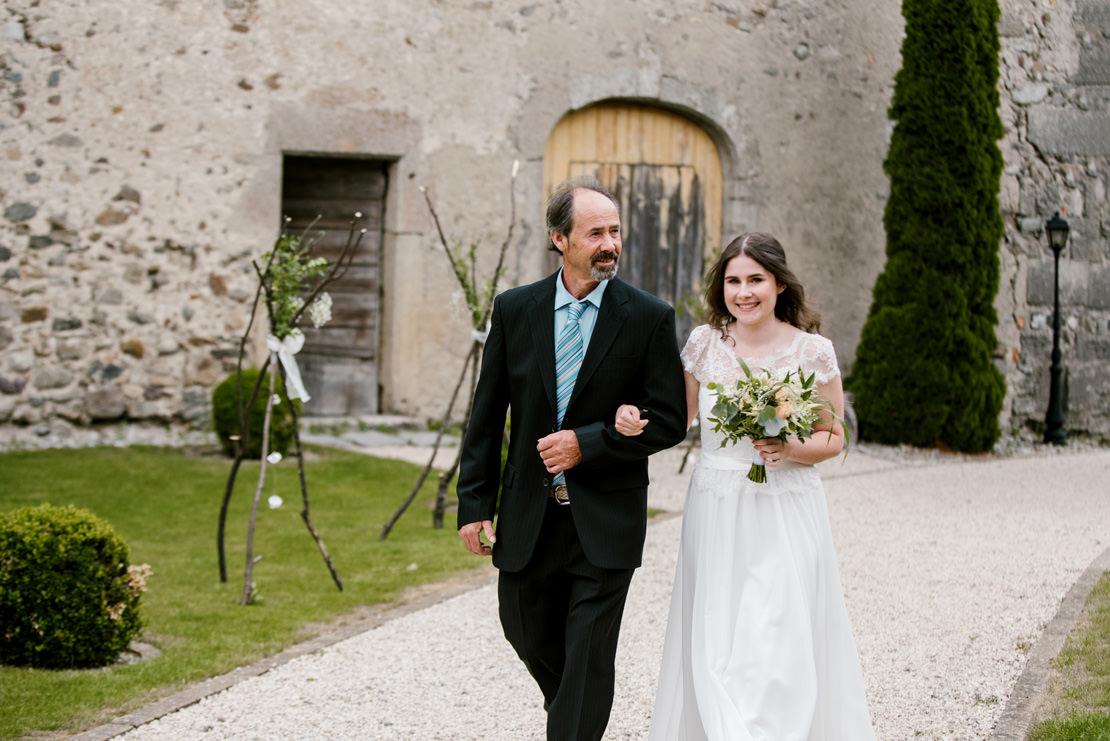 MARIAGE BOHÈME VÉGÉTAL AU CHÂTEAU DE VUISSENS switzerland wedding photographer
