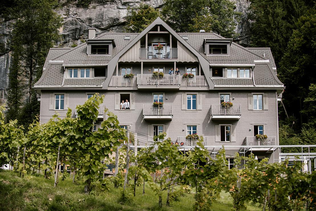mariage rustique a l'hotel wetterhorn hasliberg