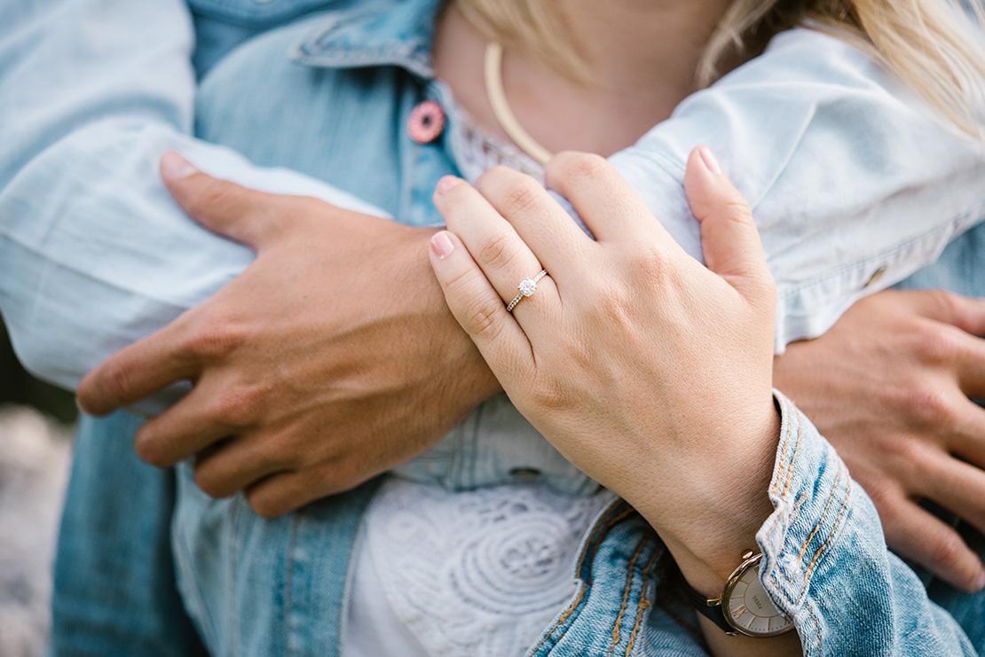 seance-couple-creux-du-van-neuchatel-photographe-mariage-genève